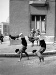 robert-doisneau-23-les-freres-1934